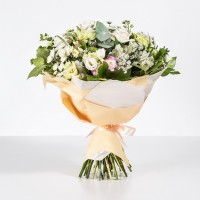 Delicate bouquet with Rose and Chrysanthemum
