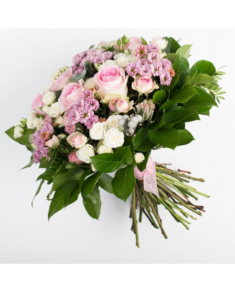 Bouquet with a rose of pink pearl