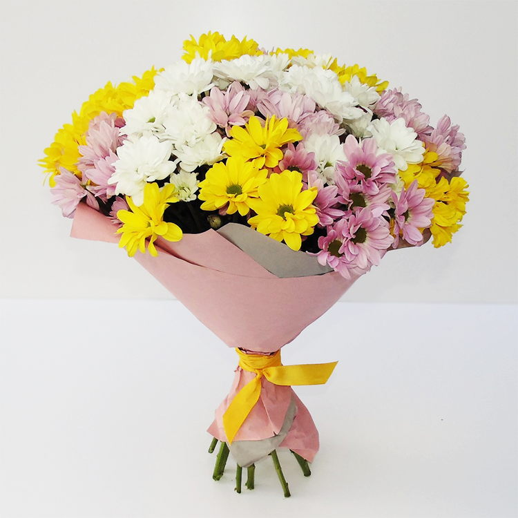 Bouquet of chrysanthemum (flowers mix)